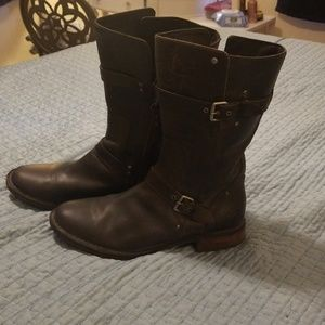 Uggs Real Leather Women's Boot's
